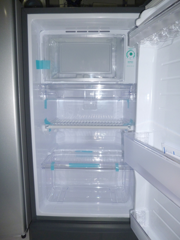 Sharp 5 5 Cuft Deluxe Refrigerator With Built In Stand And