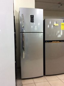 Electrolux - White Westinghouse 9 cuft No Frost Refrigerator ETB2600PE