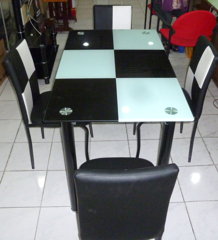 Dewfoam 4 Seater Dining Table LDT 133 Cebu Appliance Center