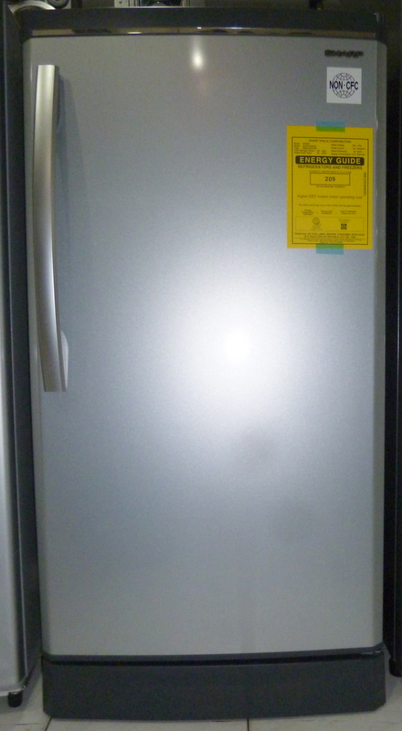 sharp refrigerator. sharp 5.5 cuft deluxe refrigerator with built in stand and semi auto defrost