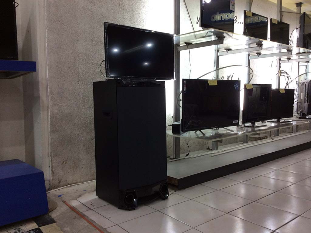 "Sharp 24"" SAMM HK-LE2425UVP Sharp Active Multimedia System"